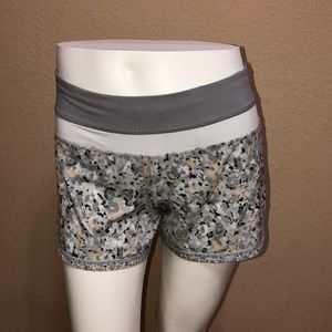 Lululemon Shorts (4)